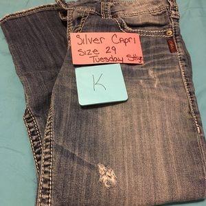 Silver Jeans Tuesday style 16 1/2 Capri Sz 29  (K)